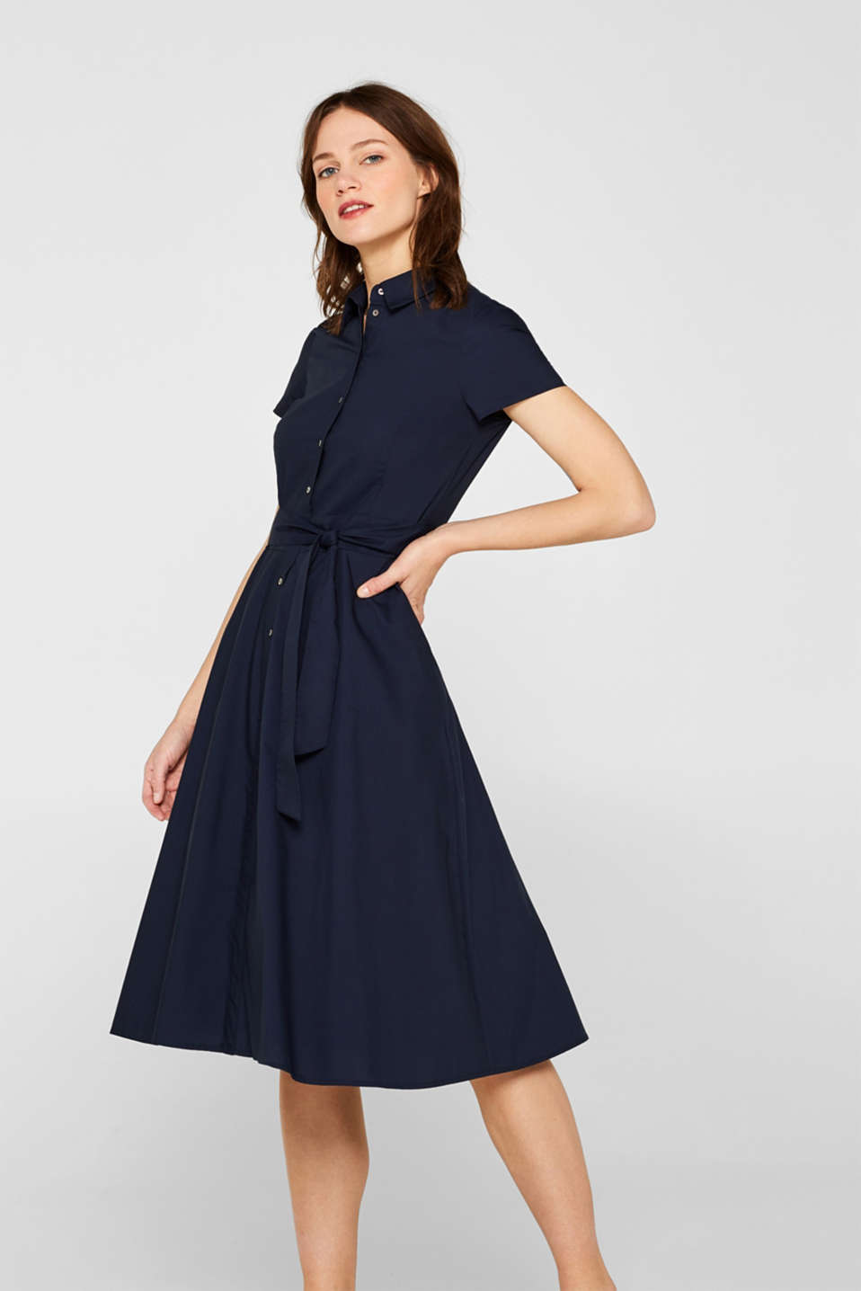Esprit - Stretch shirt dress with a wide tie-around belt