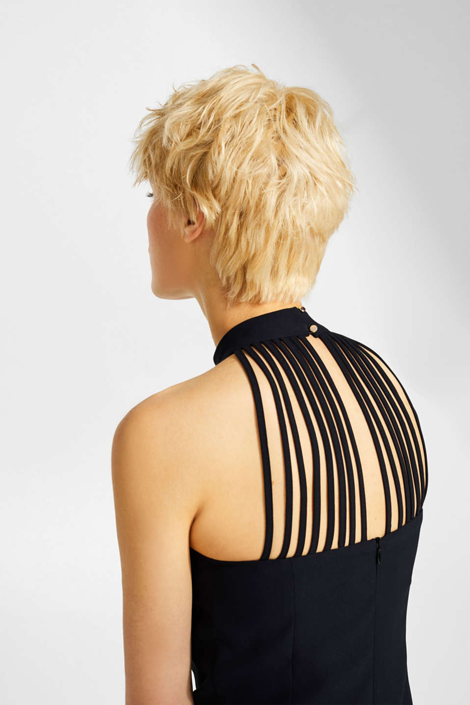 Crêpe dress with a sophisticated back and stretch, BLACK, detail image number 3