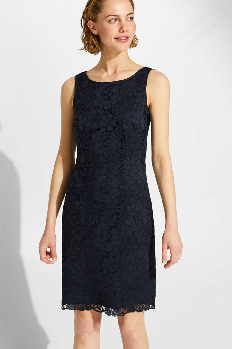 Esprit - Sheath dress in lace with a cut-out