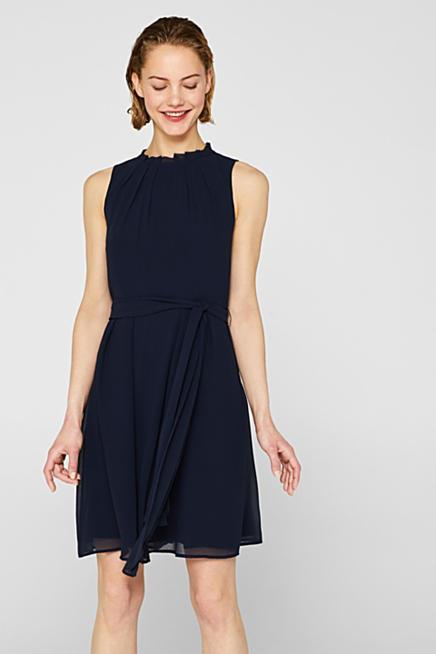 c88fdfa9c28 Chiffon-Kleid mit Fältchen und Gürtel