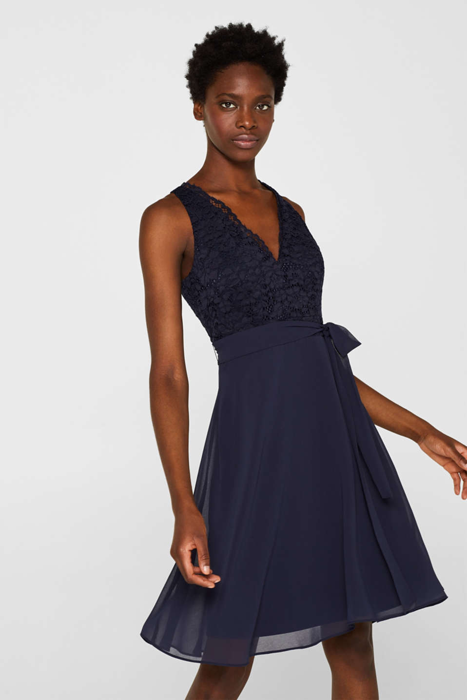 Esprit - Cocktail dress in lace and chiffon