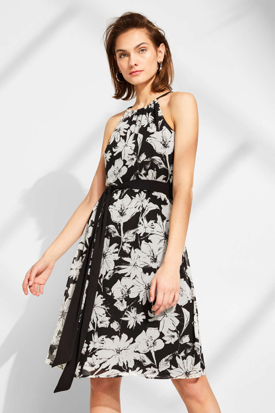 Esprit - Chiffon dress with a print and belt