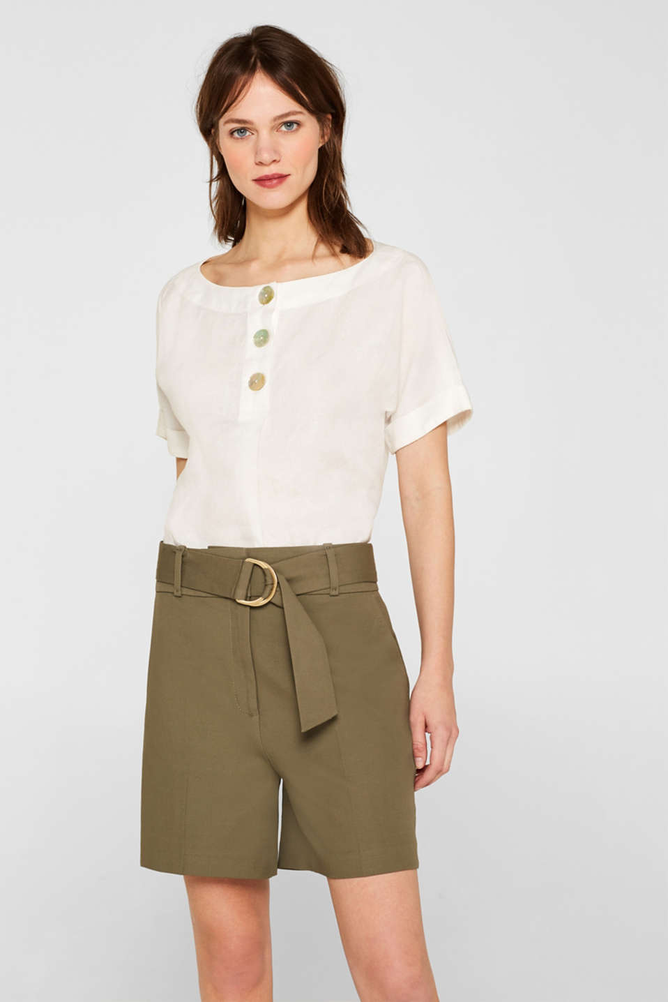 Esprit - 100% linen: Short sleeve blouse with mother-of-pearl buttons