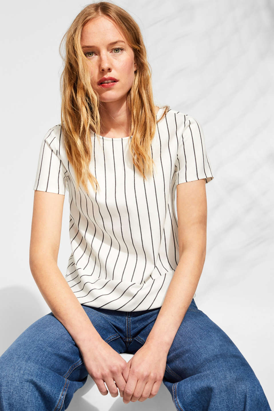 Esprit - Short-sleeved blouse with stretch and mixed stripes