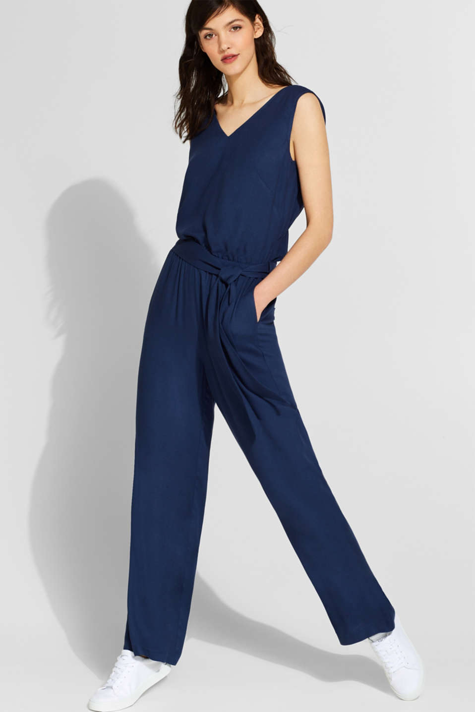 Esprit - Jumpsuit with a wide leg and rear cut-out