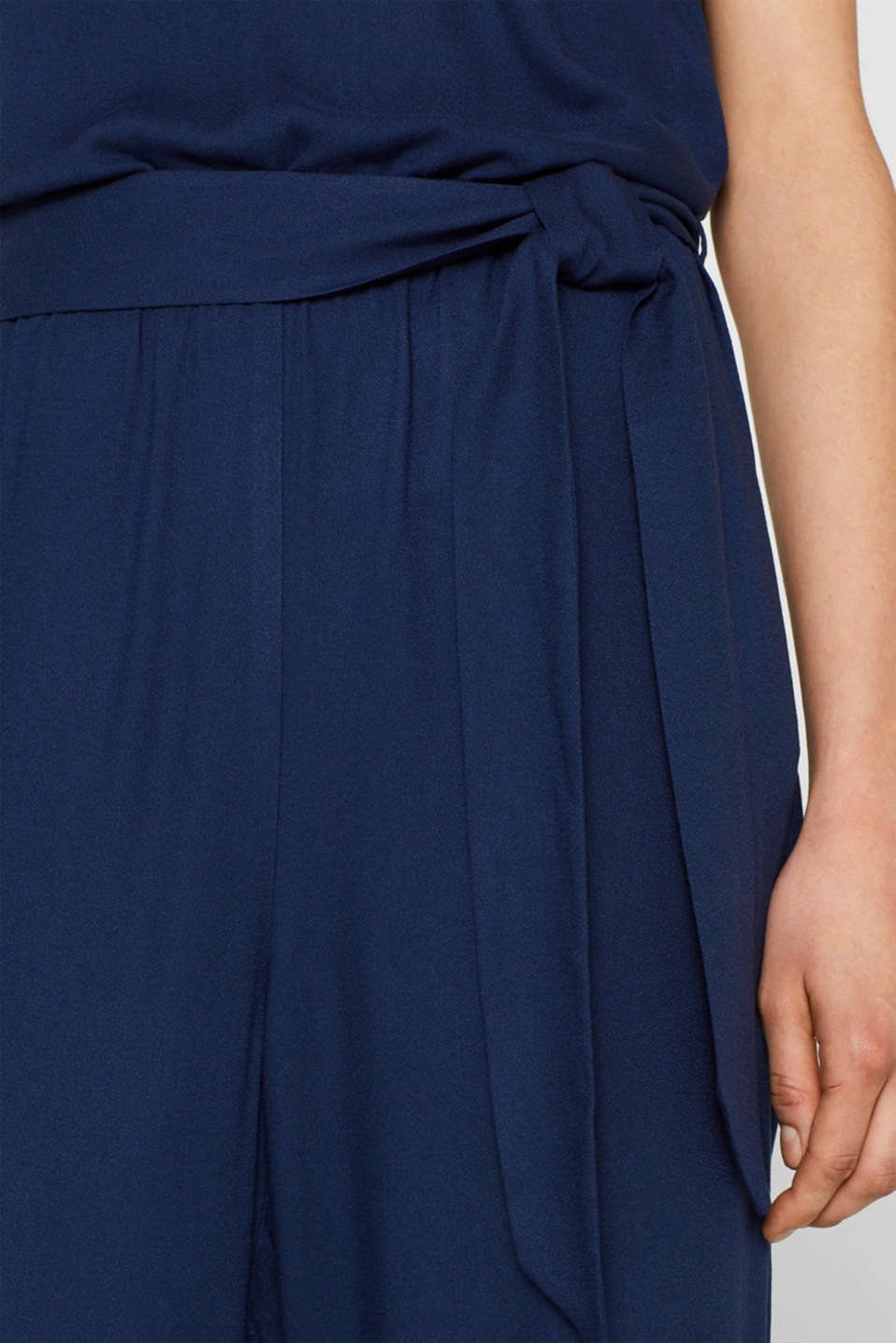 Jumpsuit with a wide leg and rear cut-out, NAVY, detail image number 5