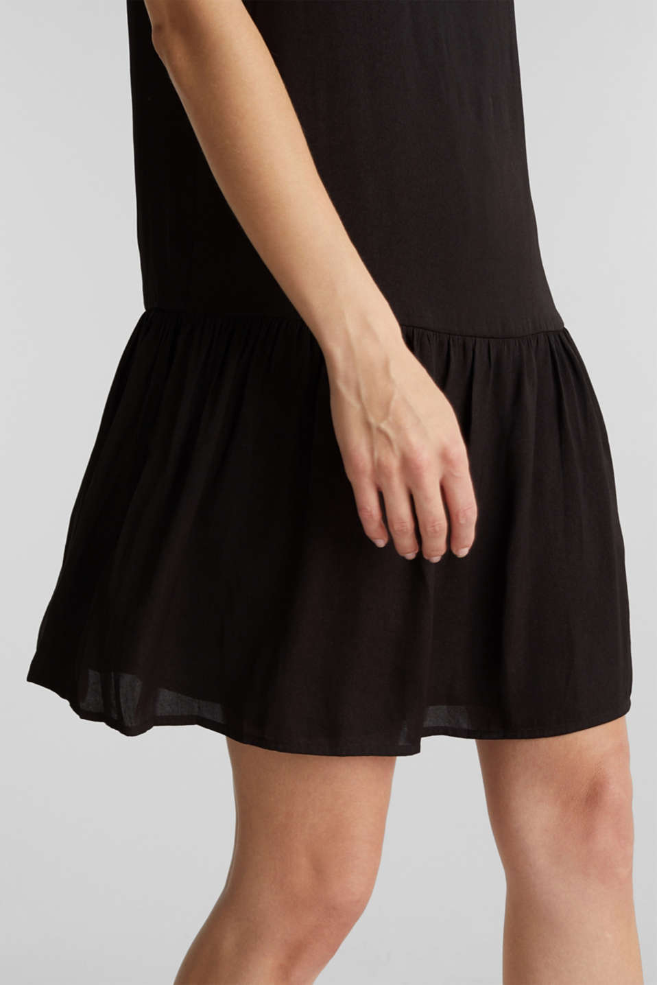 Woven dress with a flounce hem, BLACK, detail image number 5