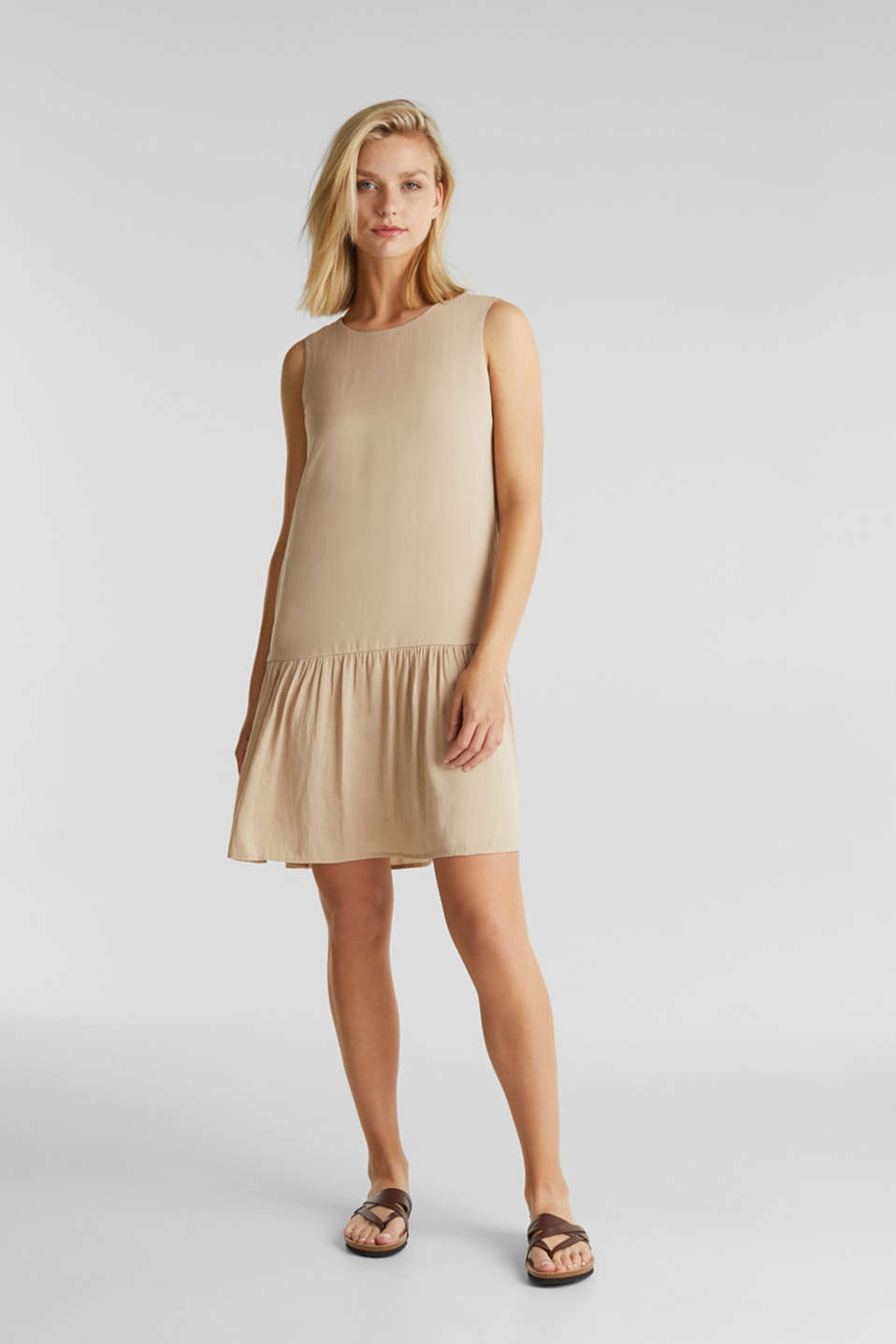 edc - Woven dress with a flounce hem