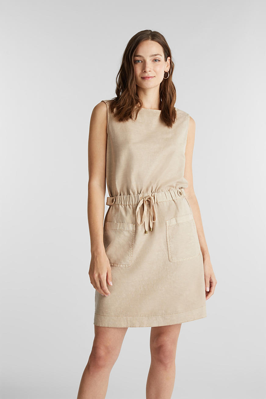 With linen: Dress made of blended cotton