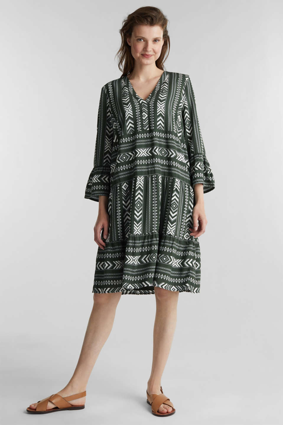 Print dress made of LENZING™ ECOVERO™, KHAKI GREEN 4, detail image number 1