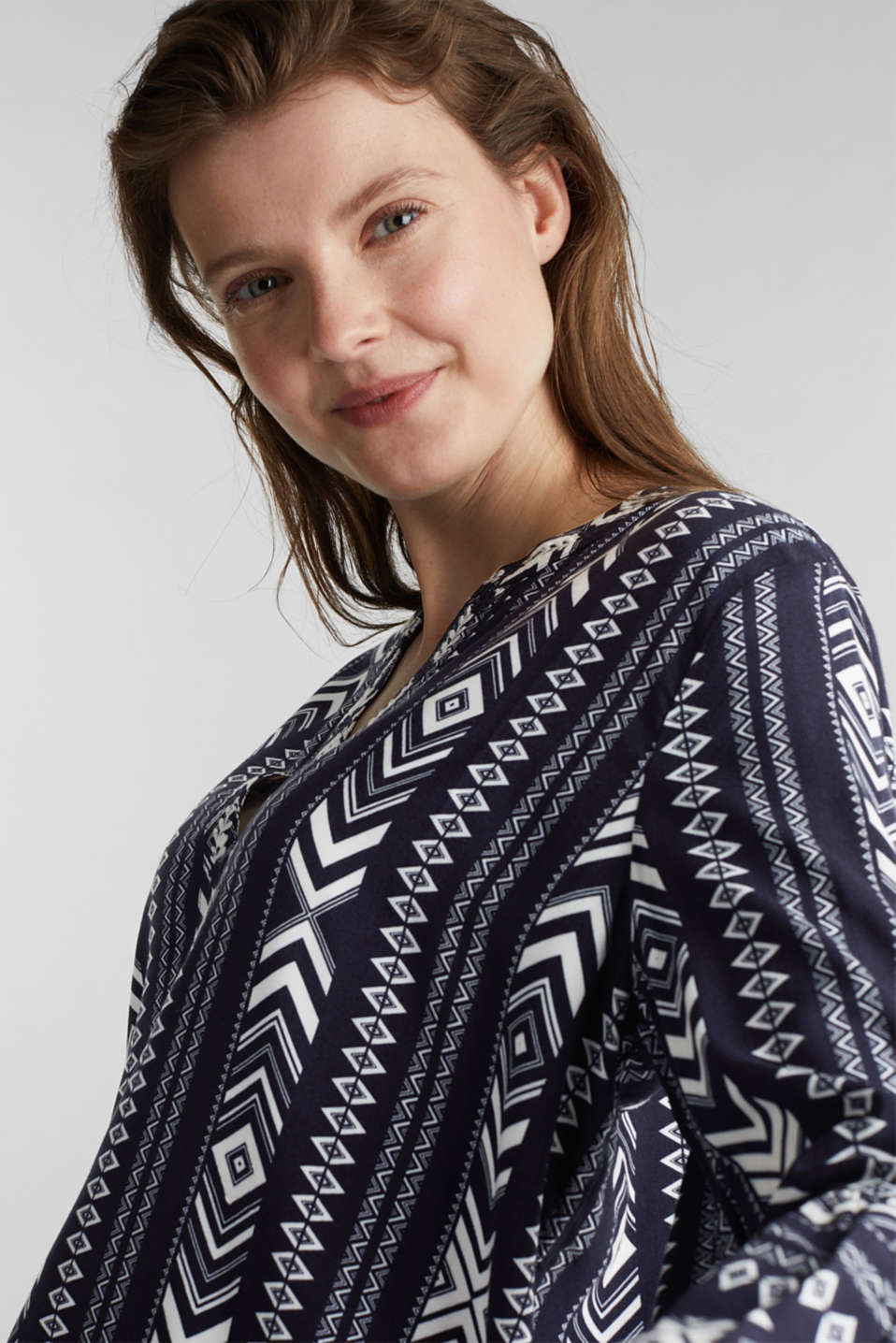 Embroidered tunic made of LENZING™ ECOVERO™, NAVY 4, detail image number 2