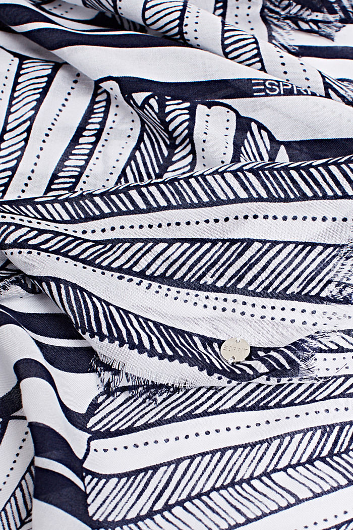 Made of LENZING™ ECOVERO™: Printed scarf, NAVY, detail image number 2
