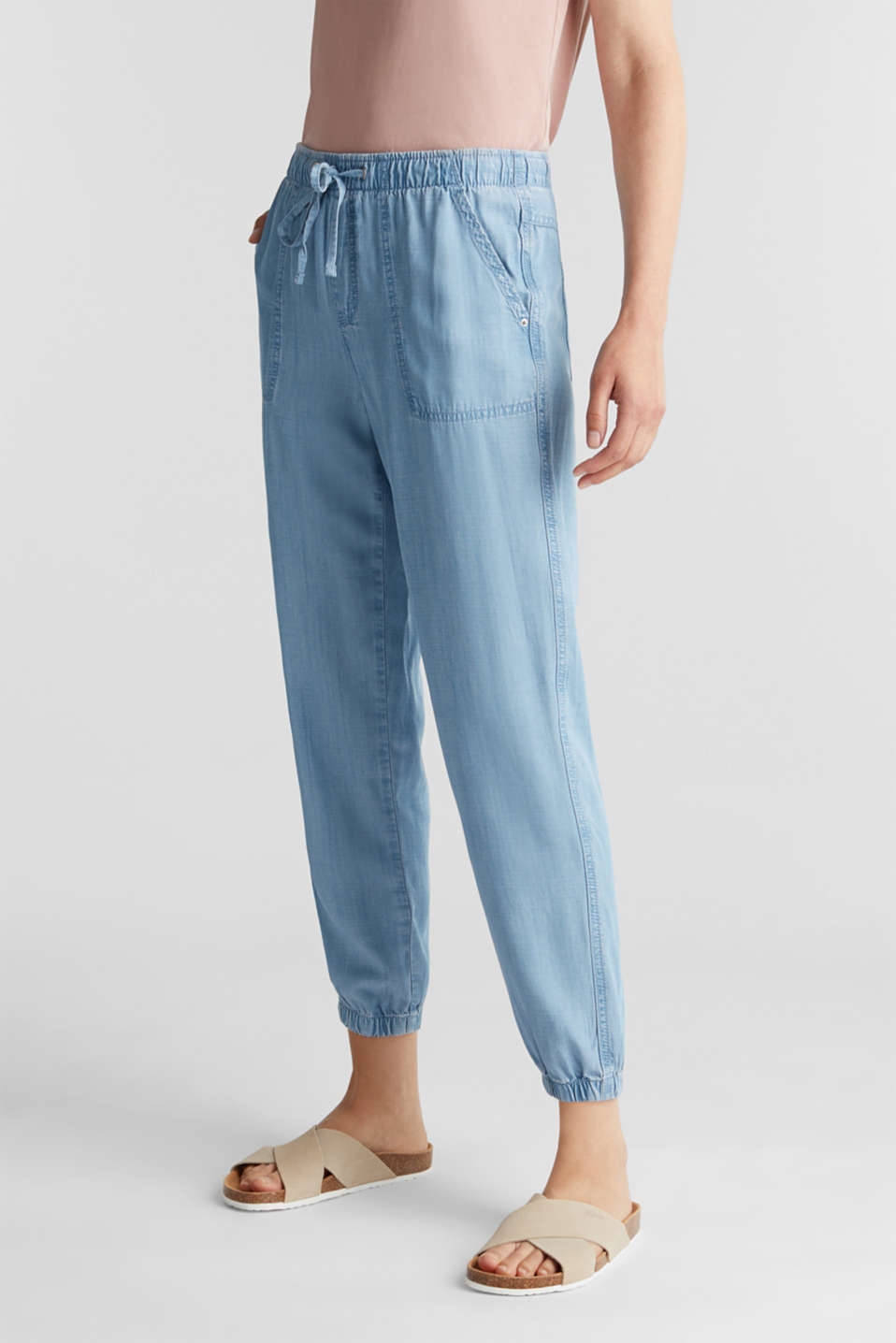 Esprit - Tracksuit bottoms in a denim look