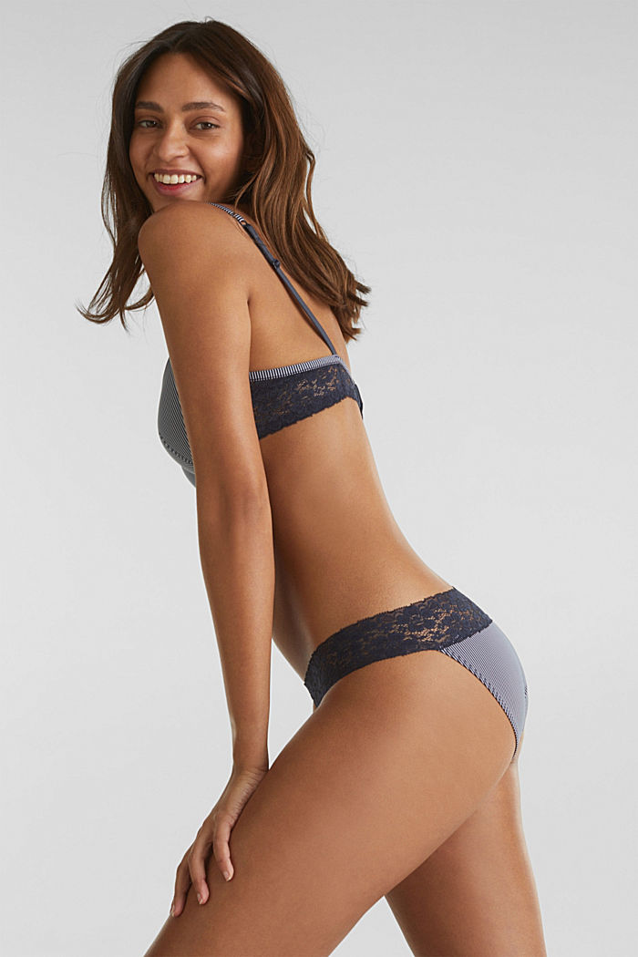 Hipster briefs with stripes and lace