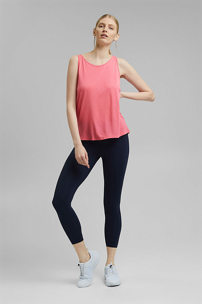 Active top with a mesh detail on the back, CORAL RED, detail image number 1