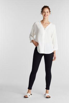 V-neck blouse made of LENZING™ ECOVERO™, OFF WHITE, detail