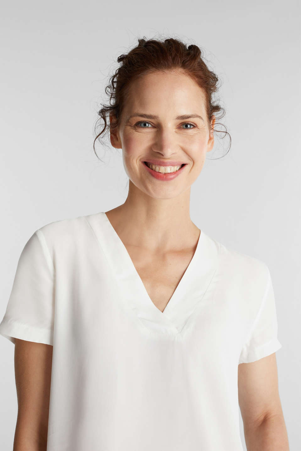 Blouse top with a V-neckline, OFF WHITE, detail image number 5
