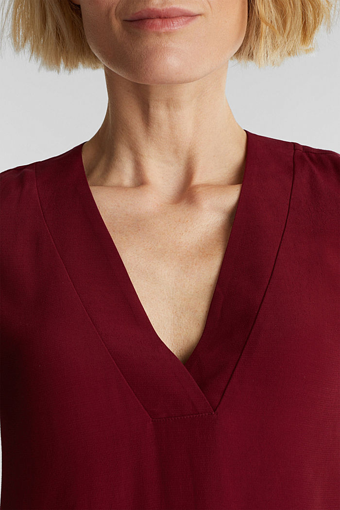 Blouse top with a V-neckline, BORDEAUX RED, detail image number 2