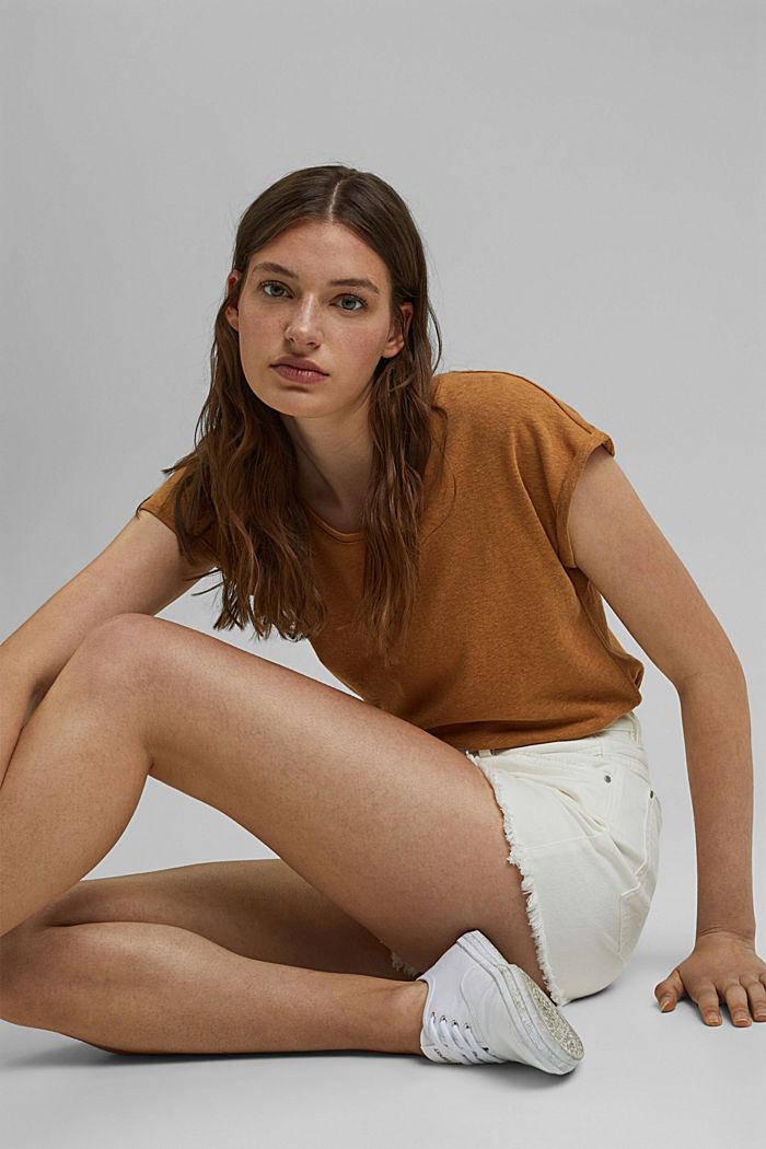Jeansshorts med hög midja och slitna effekter