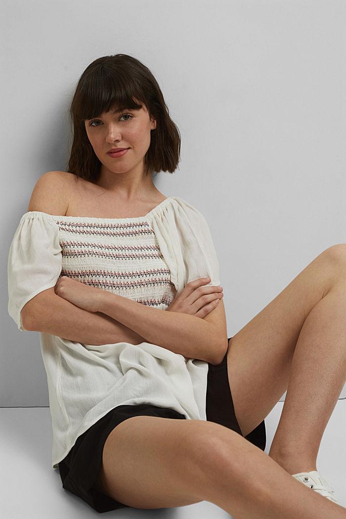 Haut façon blouse smocké à teneur en LENZING™ ECOVERO™, OFF WHITE, detail image number 5