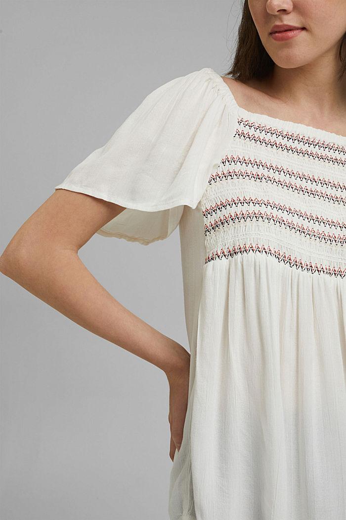 Haut façon blouse smocké à teneur en LENZING™ ECOVERO™, OFF WHITE, detail image number 2