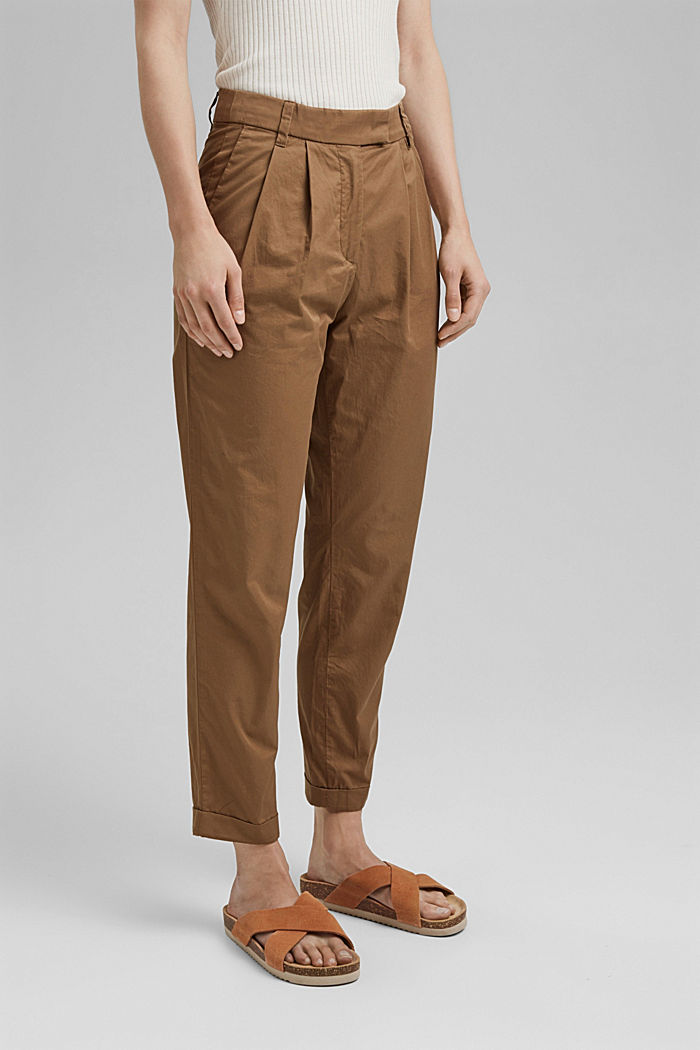 Ankle-length chinos made from 100% cotton
