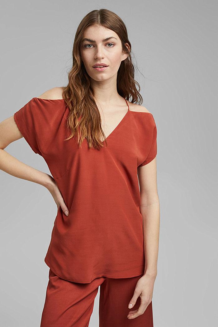 Blouse with a Carmen neckline