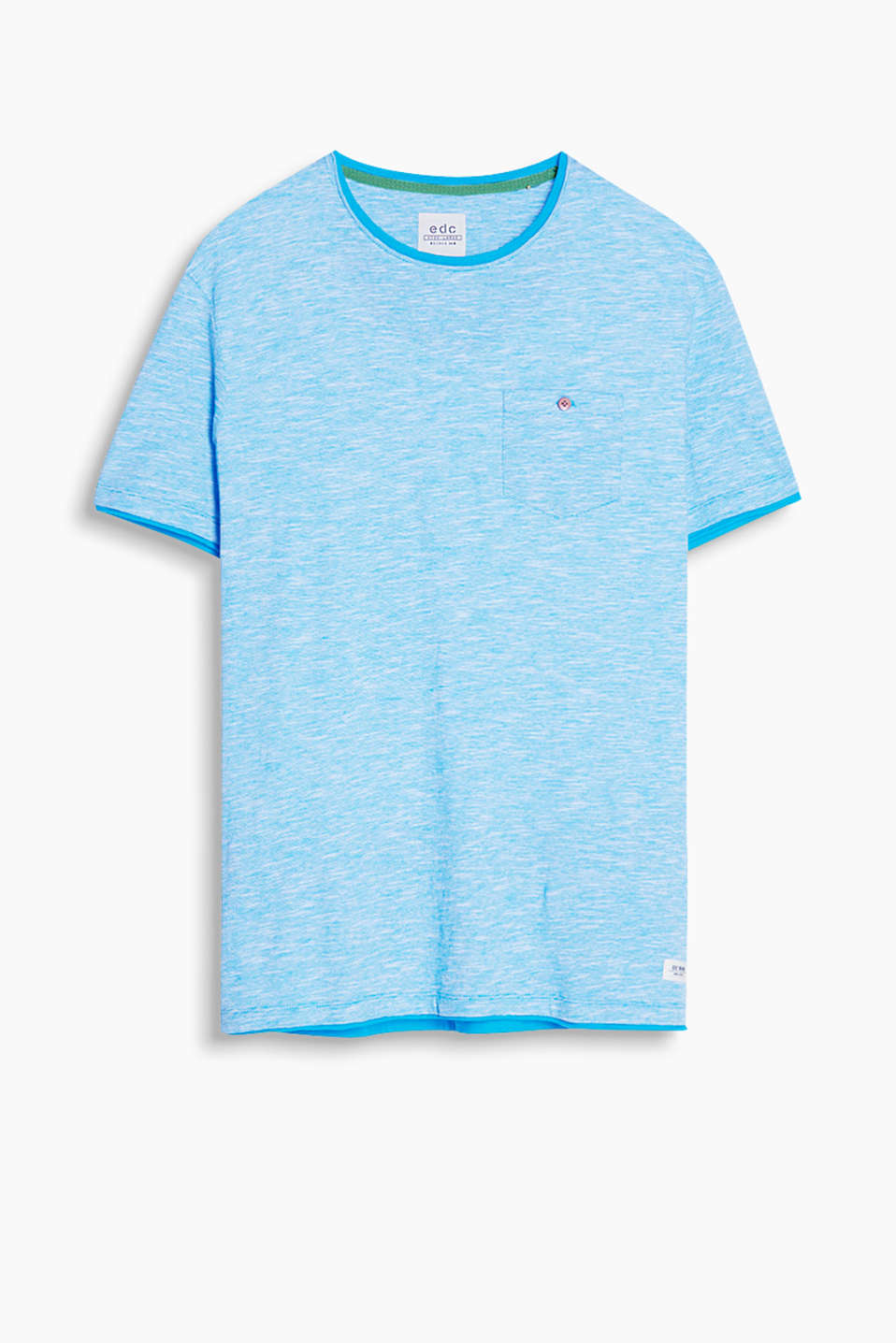 Made of 100% cotton: T-shirt with a button-fastening breast pocket and layering effect