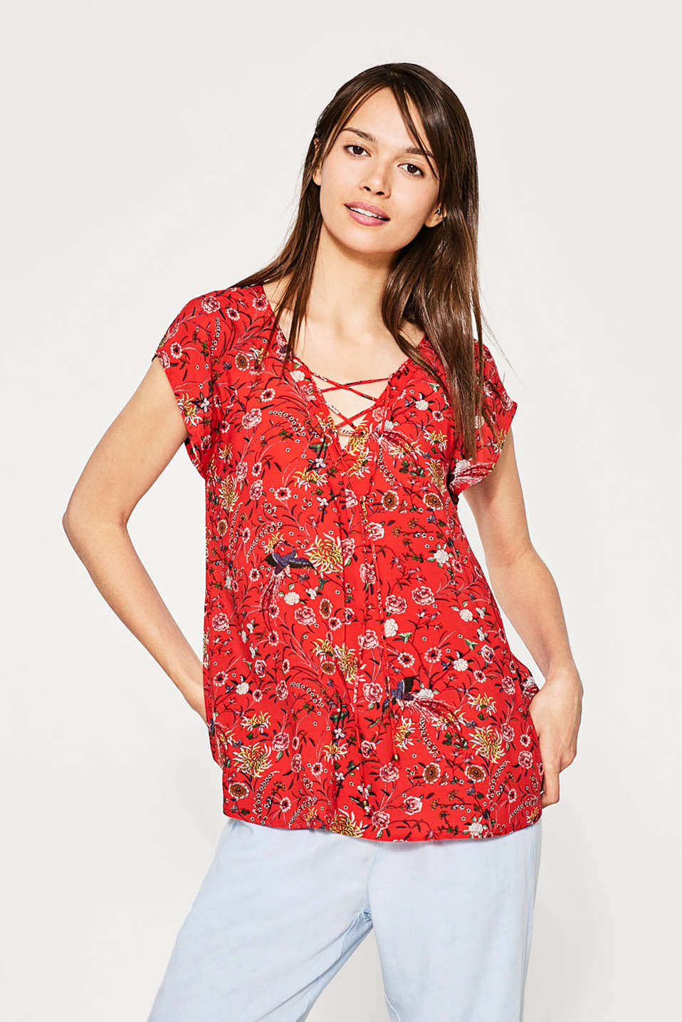 Flowing printed blouse with lacing