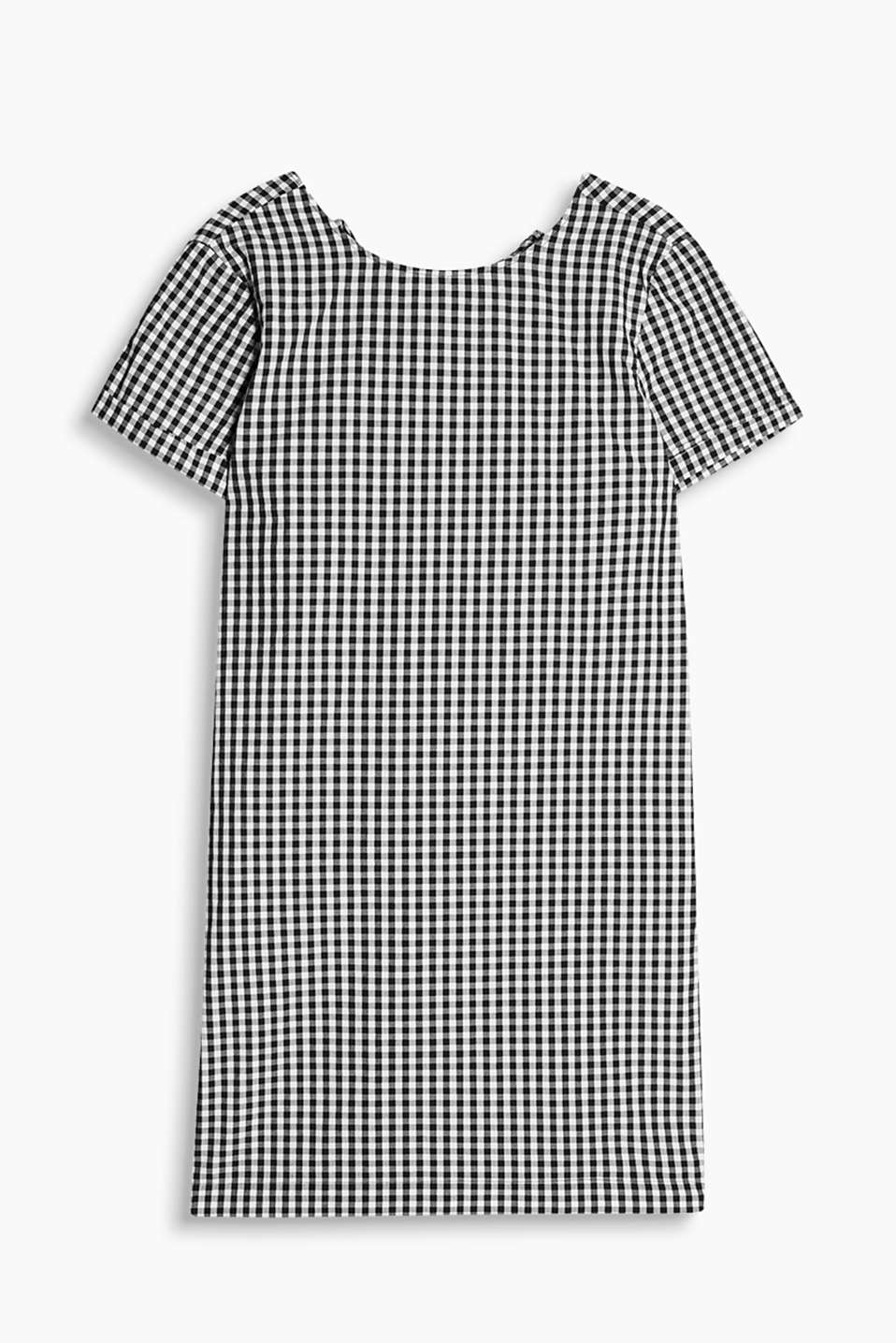 Straight cut dress with a lace-up back neckline and fresh gingham checks