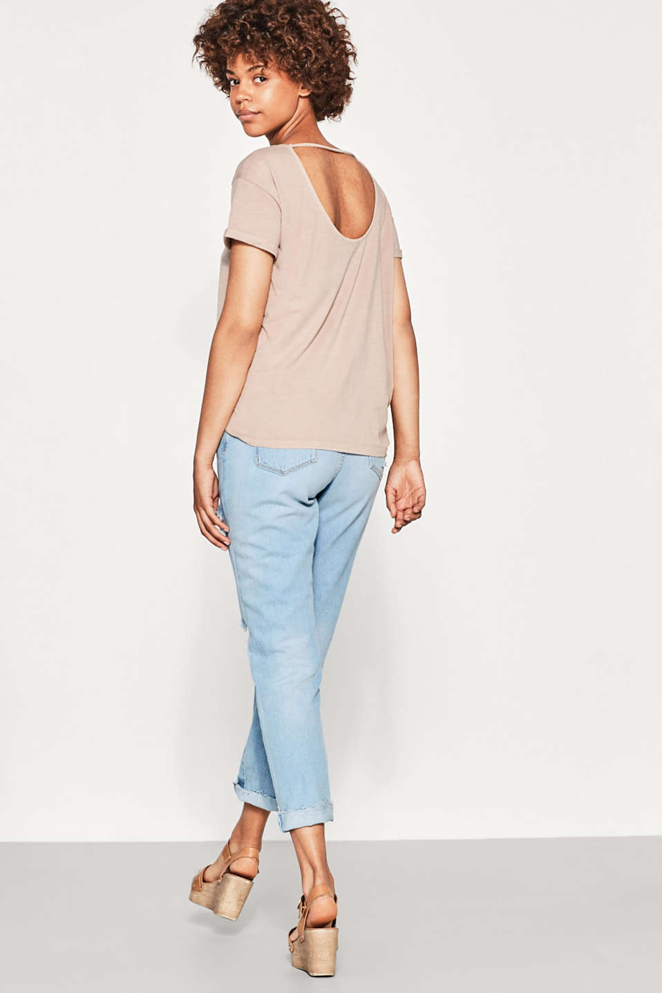 Casual T-shirt with scoop back neckline