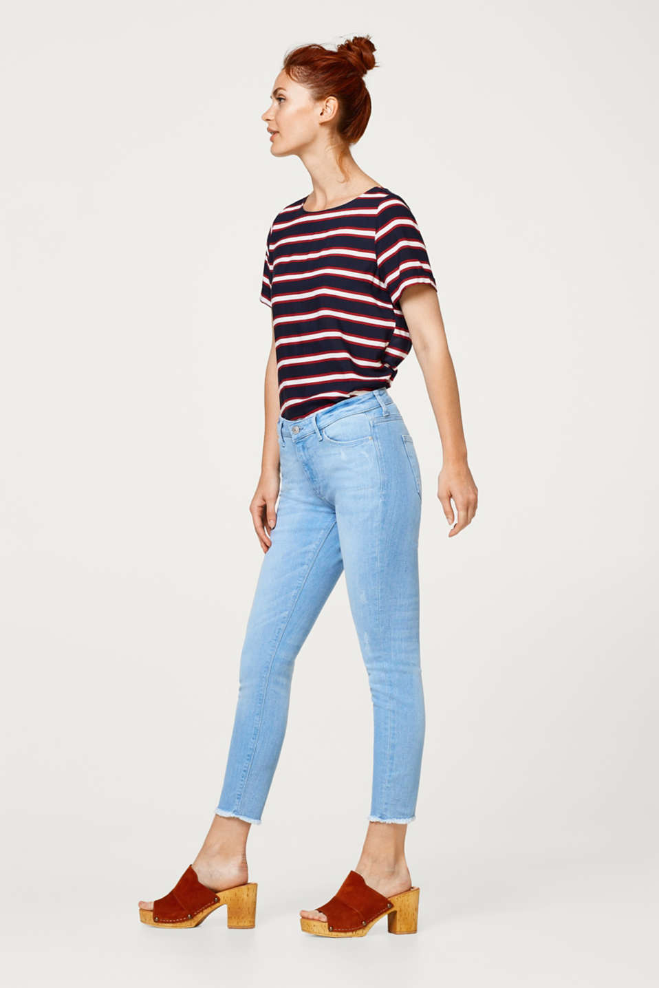 Cropped stretch jeans with washed effects
