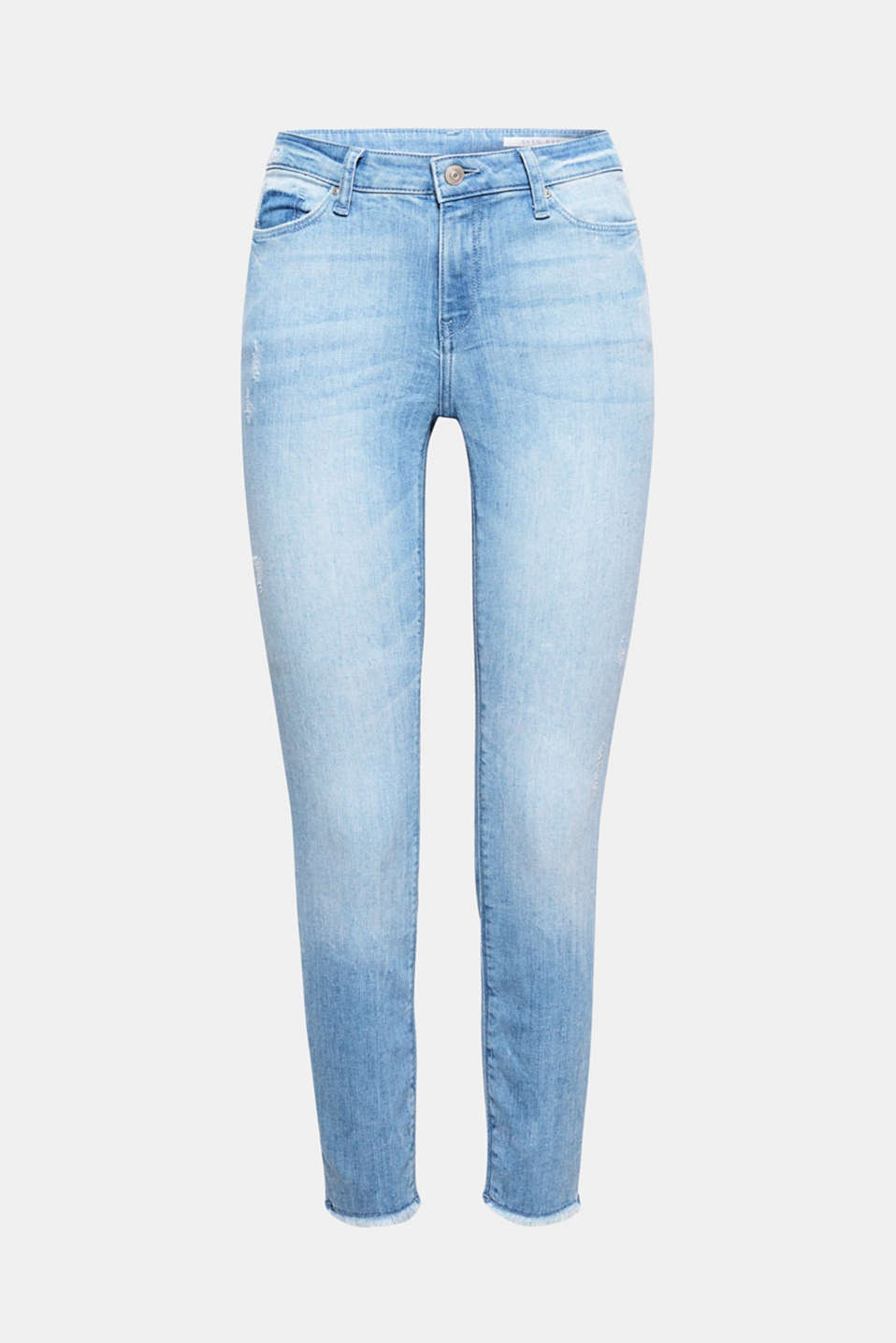 Show off your ankles! These jeans boast a cool look thanks to the stylish cropped legs with frayed ends and trendy washed details.