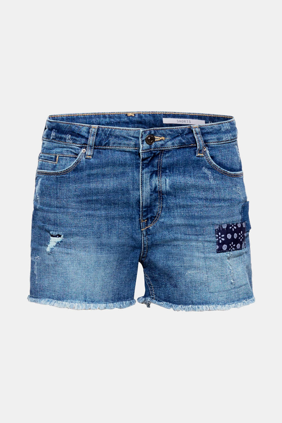 Summer essential: the appliqués and distressed effects give these denim shorts with recycled cotton their cool style.
