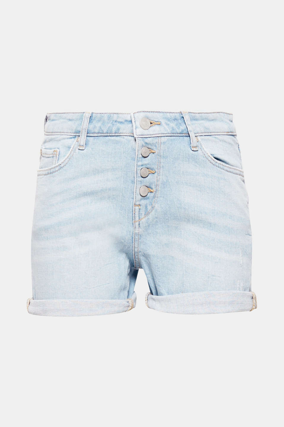 Short and unbelievably sweet! The button placket and casual wrinkled effects give these denim shorts with added stretch for comfort their trendy look.
