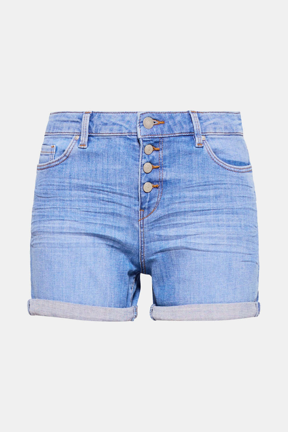 Perfect for summer! The button fly, fixed hem turn-ups and cool whiskering make these comfy and stretchy denim shorts look totally trendy.