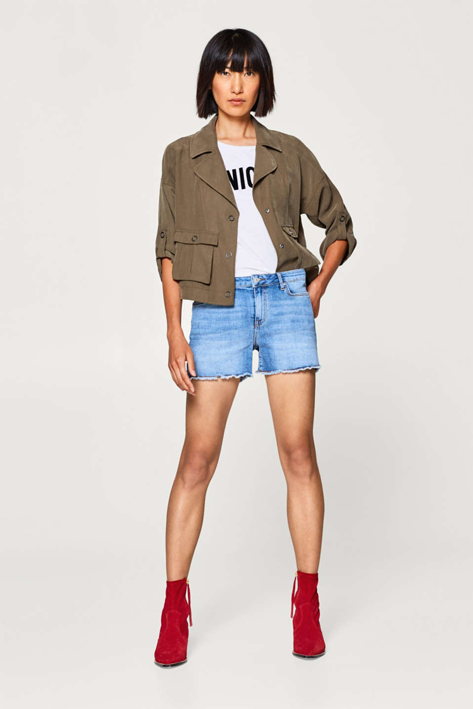 edc - Super stretch denim shorts with frayed hems