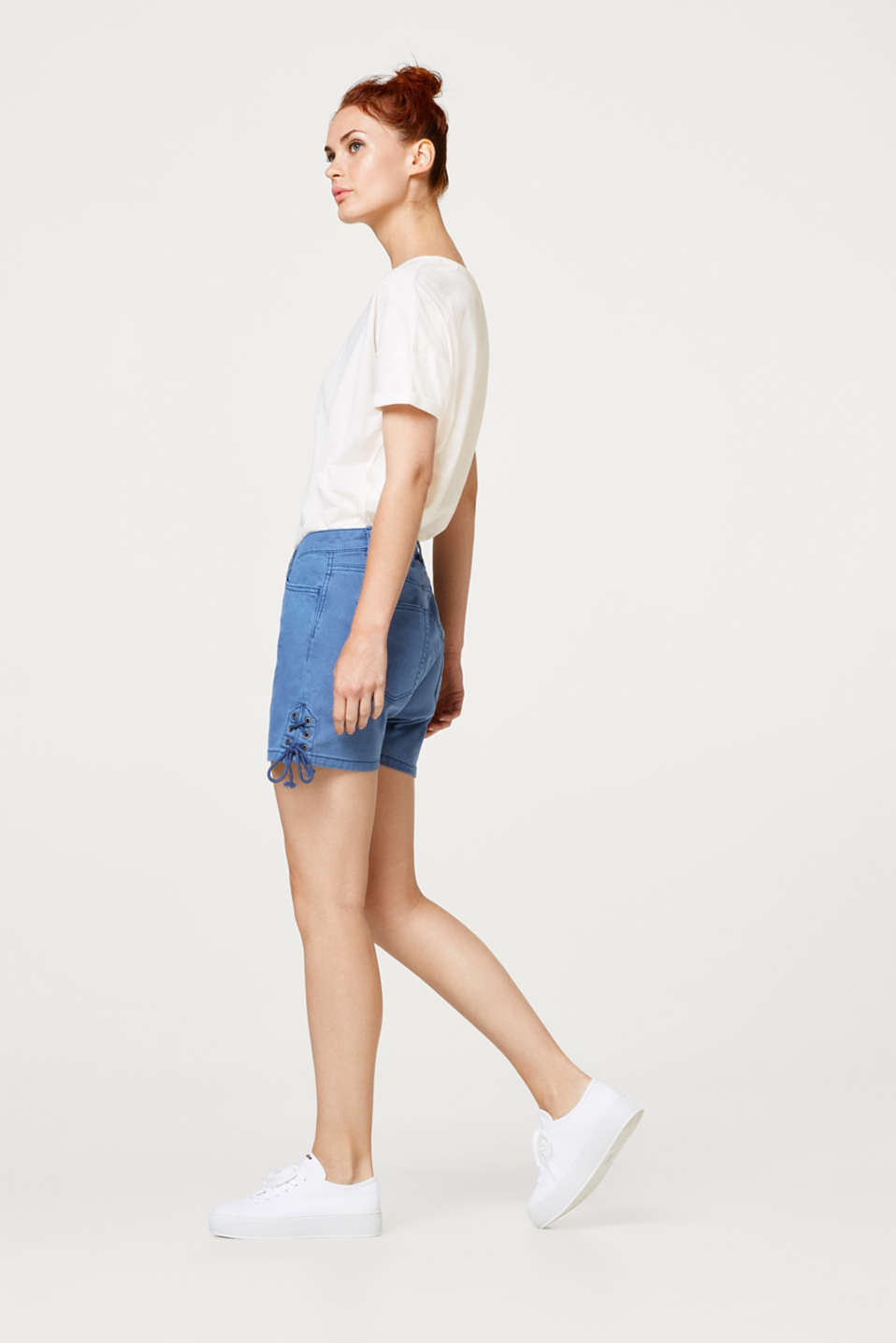 Stretch shorts in blended cotton with lacing detail