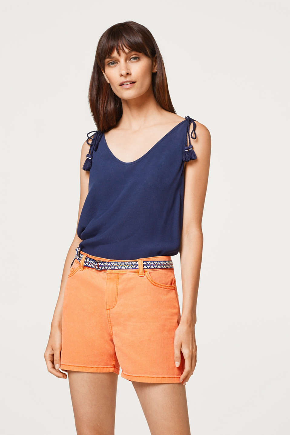 edc - Stretch shorts in blended cotton with a belt