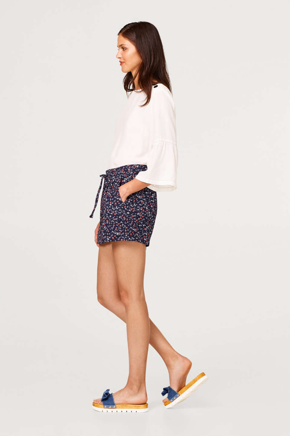 edc - Shorts with floral print and elasticated waistband