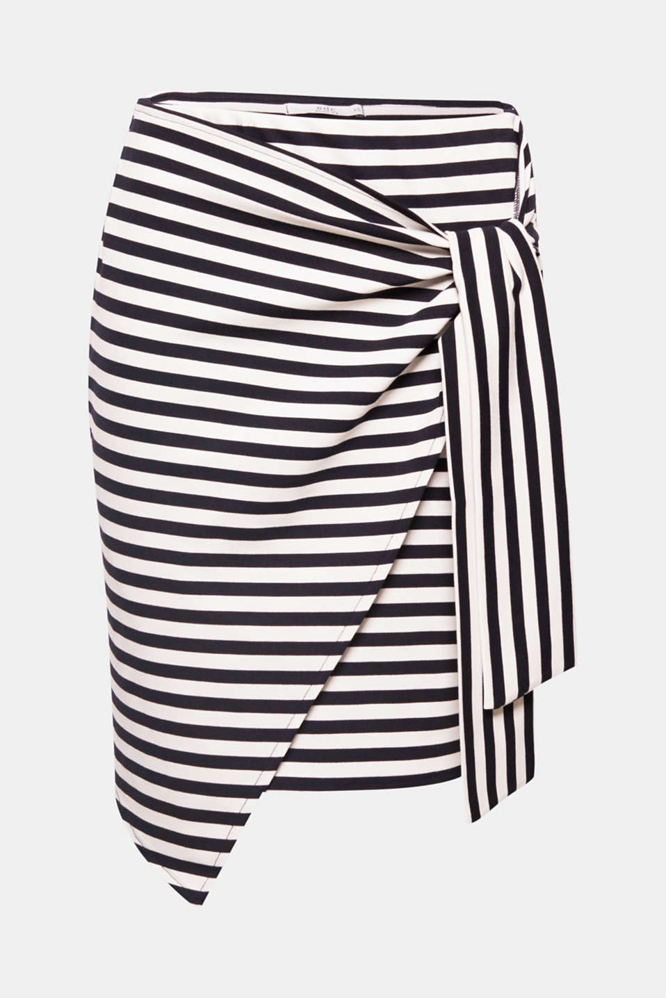 The combination of a modern wrap-over silhouette and two-tone horizontal stripes give this comfortable jersey skirt its fashionable look!
