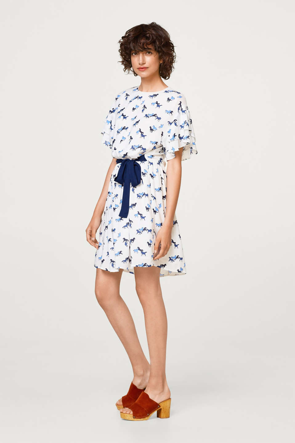 Dress with flounce sleeves and a horse print