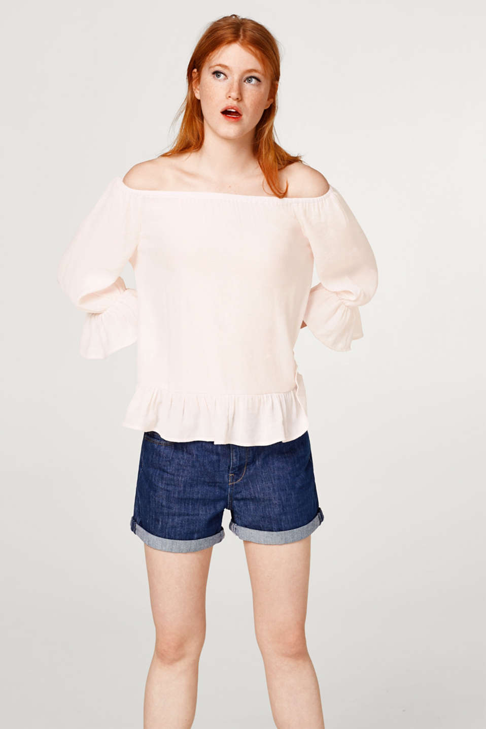 edc - Crinkle blouse with a Carmen neckline