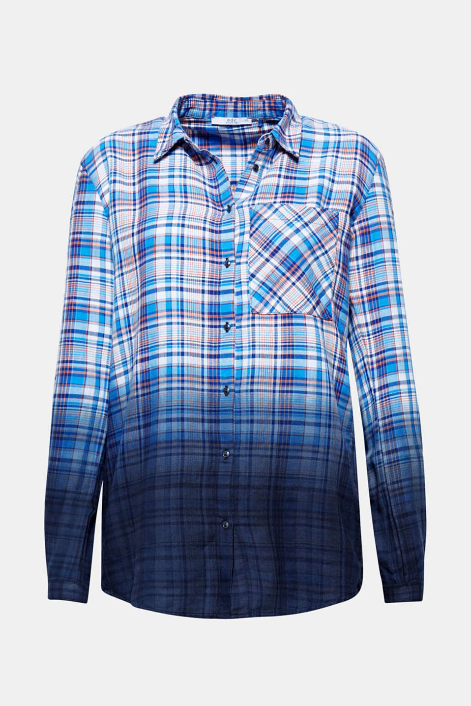 Checks with a twist! The trendy colour gradation and stud details give this cotton shirt its cool summer style.