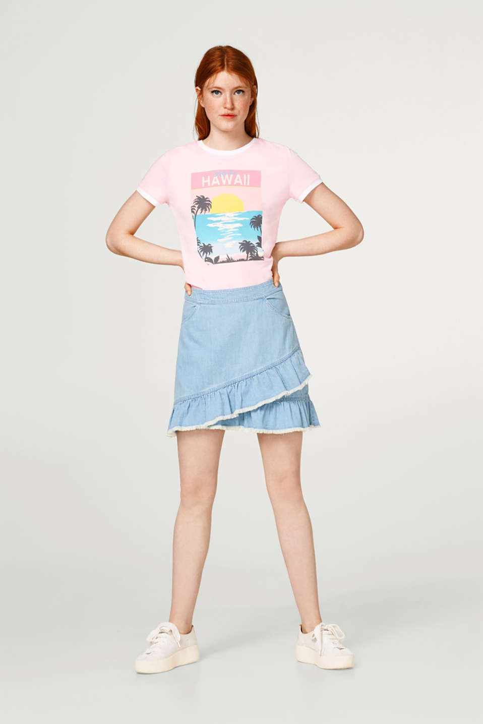 Cotton T-shirt with a colourful and summery front print