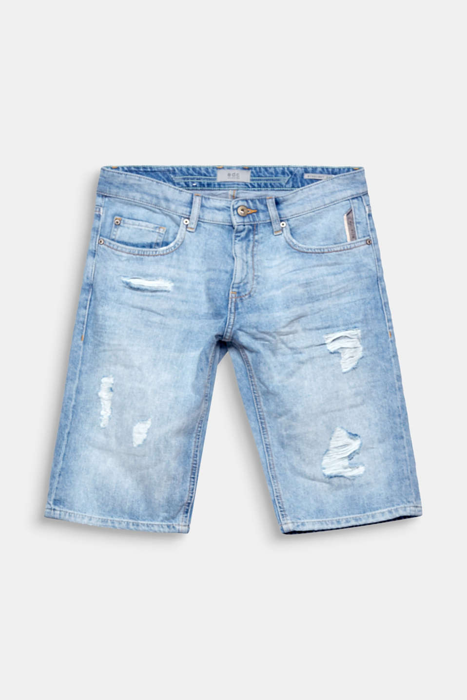We love distressed denim! These shorts are absolutely essential for an urban summer look.