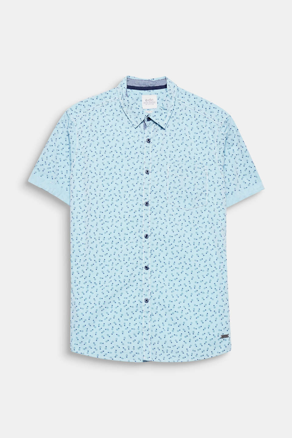 The stylised pineapple print makes this short sleeve shirt a light and fruity essential piece for summer.