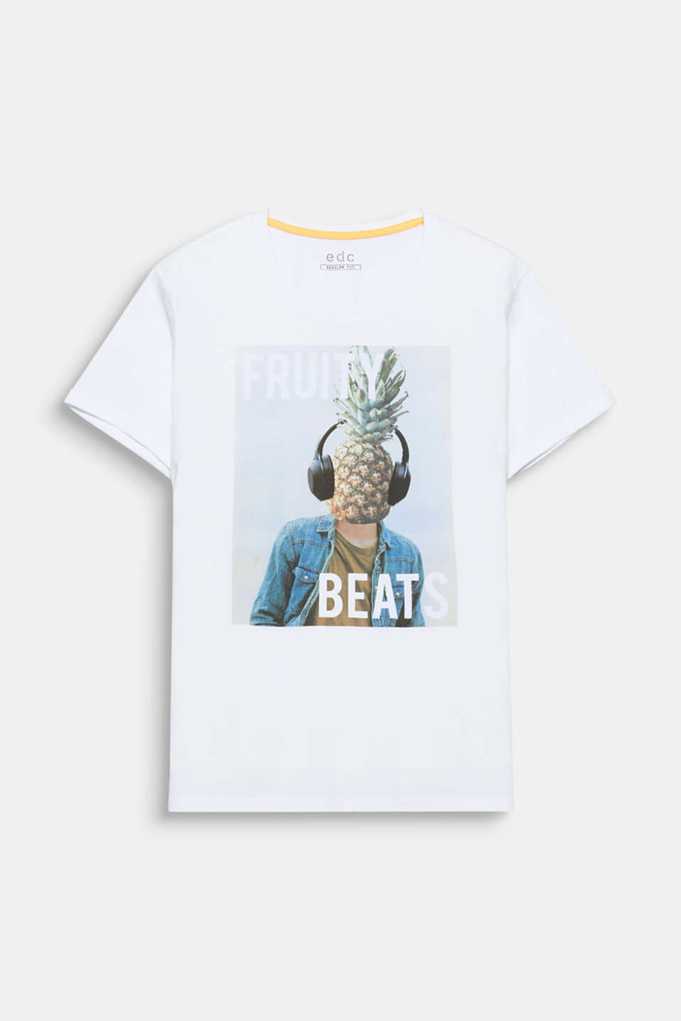 This cotton T-shirt features a photo print with attitude.