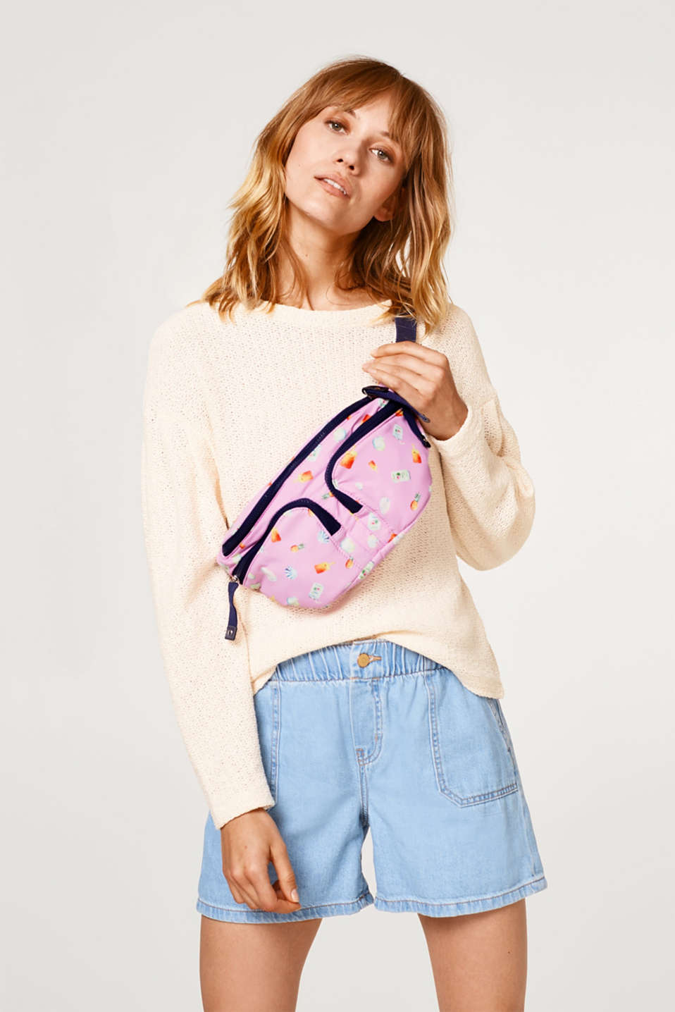 Hip pack with a summery print