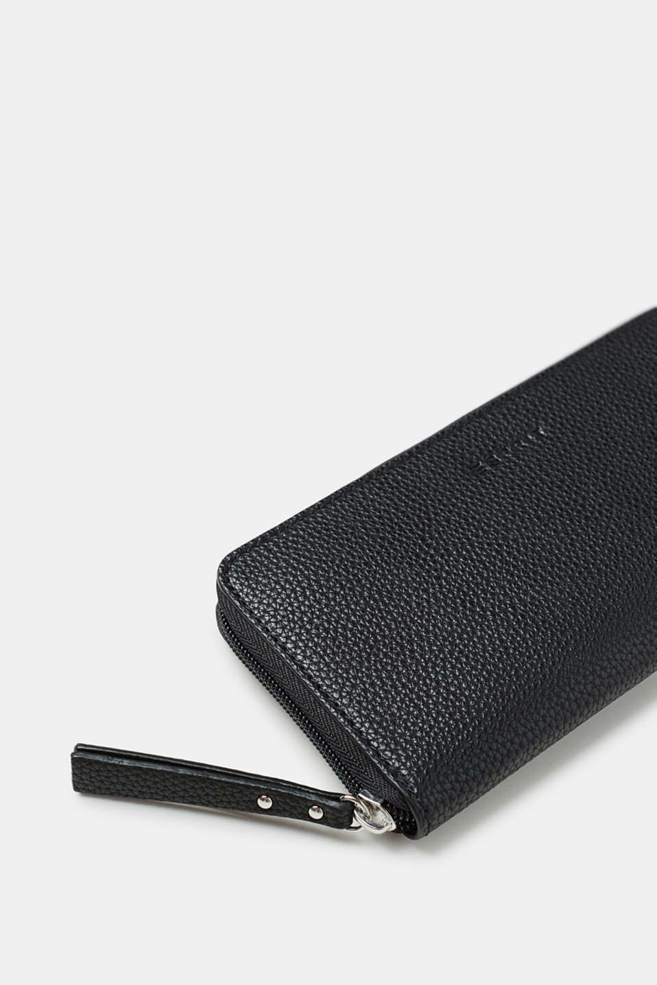 Grained faux leather wallet